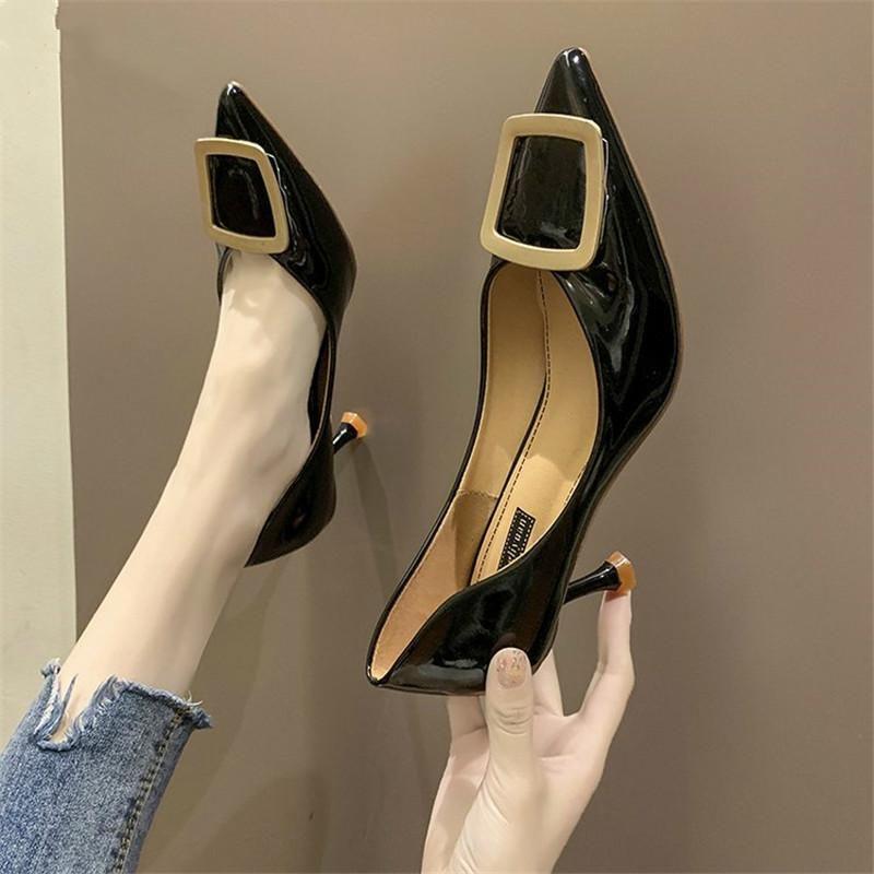 Nuovi scarpe tacco alto Slip-on Donne Scarpe Donne Pompe Donna Moda Thin Seduct Toe in punta traspirante comodo in metallo