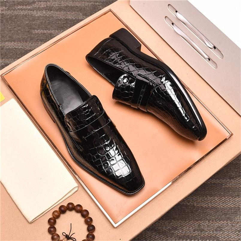 19ss hombres vestido zapato mocasín brillo hombres zapatos formales brogue moda de cuero de lujo zapatos de hombre moda novio boda oxford zapatos mag