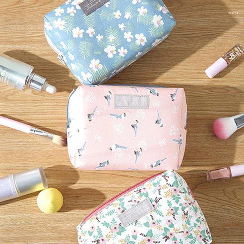 2021 Moda Mini Çanta Seyahat Yıkama Çantası Tuvalet Makyaj Kılıfı Tatlı Çiçek Kozmetik Organizatör Güzellik Kılıfı Kiti Makyaj Kılıfı1
