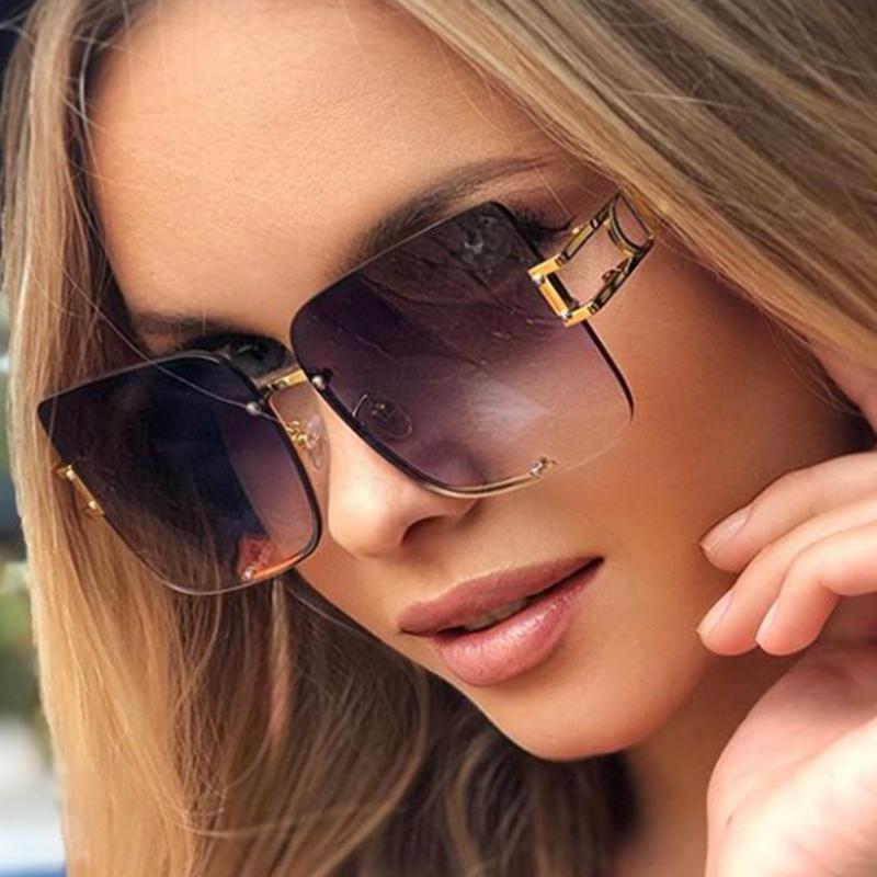 Occhiali da sole quadrati di moda Donne 2020 Occhiali da sole pendenza retrò Uomo in metallo grande cornice vintage occhiali da vista occhiali UV400