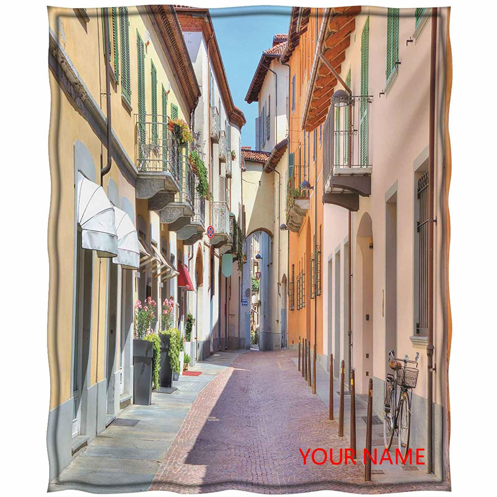 Şehir Soğutma Battaniyesi, Alba Kasabası Piedmont Kuzey İtalya Renkli Evler Arasında Dar Taş Asfalt Sokak DIY Battaniye, Nefes, Comforta