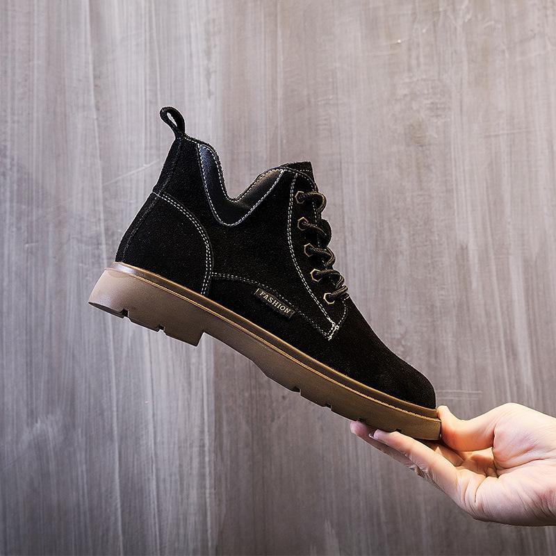La dernière vente chaude 23SS bottes chaussures femmes marquées demi-cheville boot dame authentique cuir robe bottes de chaussures de sport