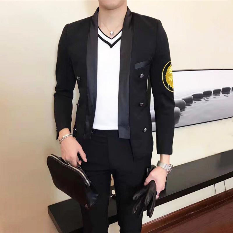 Костюм 2020 Маленький Blazer Masculino Вышивка Значок Значок самолесообразного Человек Показать Мужской Модель Мастер Одежда Blazer Hombre