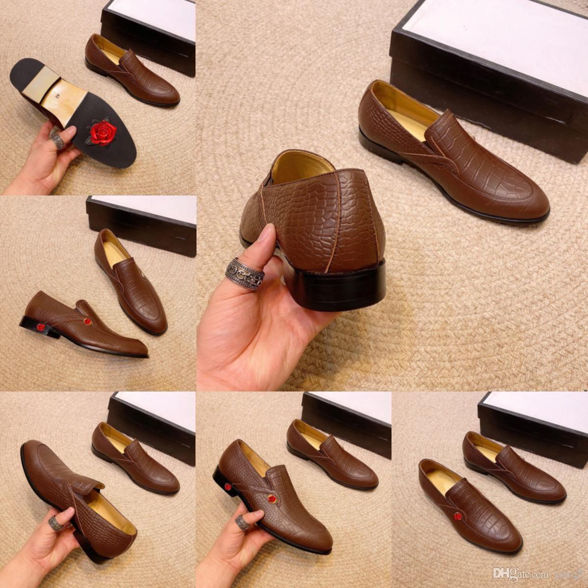 Scarpe da uomo in vera pelle di lusso scarpe da uomo Oxfords nero bianco scarpe da sposa ad alto lavoro di affari di alto livello di business di sopra lacci-up uomo scarpe uomo