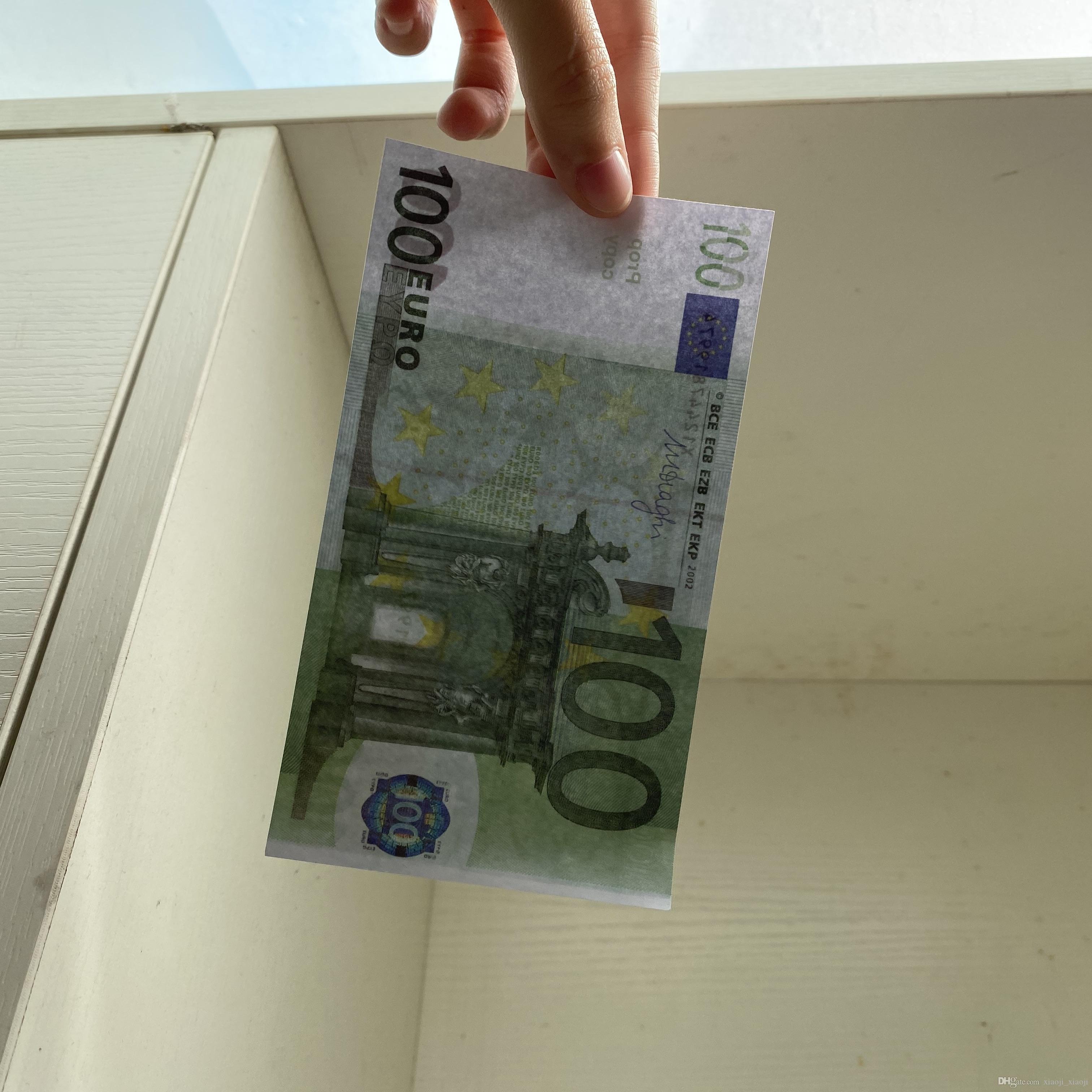 Prop 100pcs / pack Banconota realistica Game familiare Gioco degli Stati Uniti Toy235 / Euro / Dollar Paper Money o più copia bambini IGABV