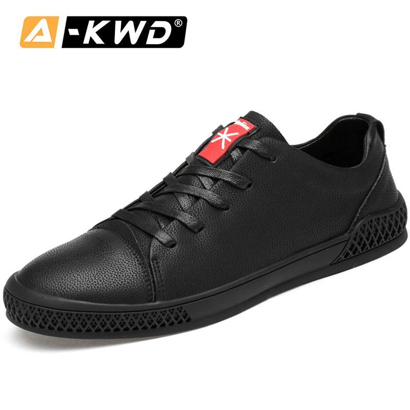 Moda Black Lace-Up Sneakers 2019 PU Elevador para homens Outono Sapatos masculinos Mocasines Hombre Casual Calçado Masculino Q1202