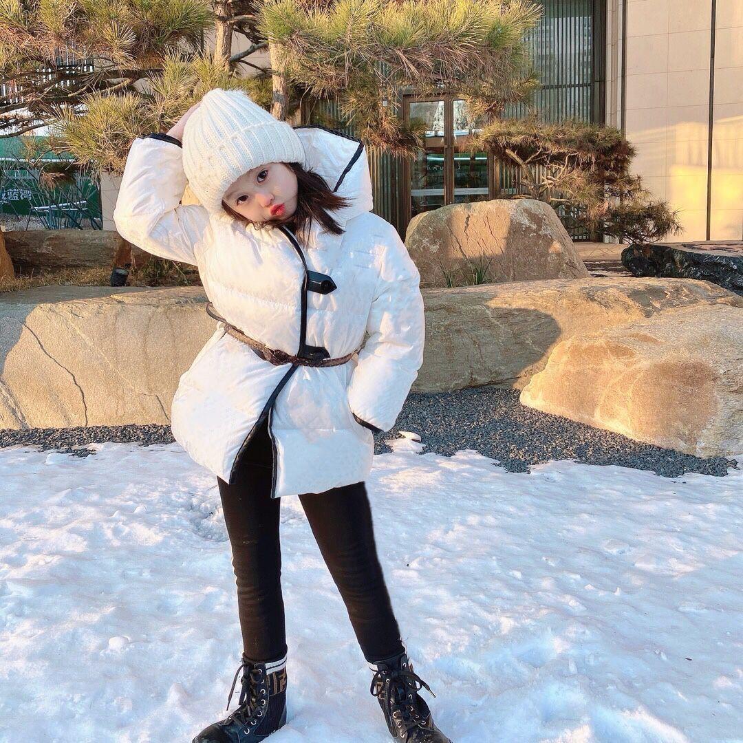 طفل فتاة الشتاء ملابس 2020 جديد وصول طفلة أسفل معطف مع حزام الأطفال الشتاء الأبيض معاطف للبنات