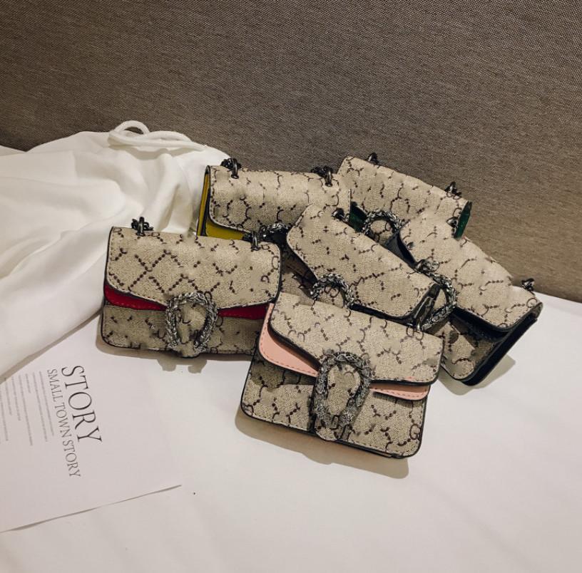 Diseñador Niños Bolsa Muchachas Carta Impresas Princesa Messenger Bag Niños Cadena De Metal Cadena De Un solo Hombro Mujer Mini Bolso F7071