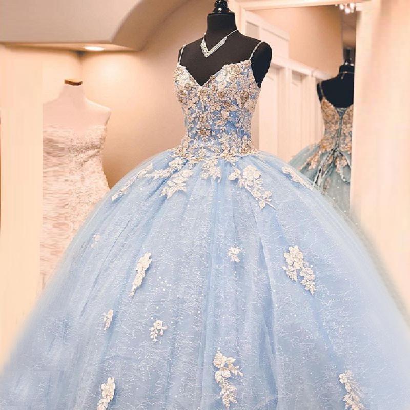 Light Blue Richomed Beaded Quinceanera Abiti Abiti Spaghetti Straps Backless Tulle Tulle Pizzo Sweet 16 Dress Dress Long Occasioni Abbigliamento da partito
