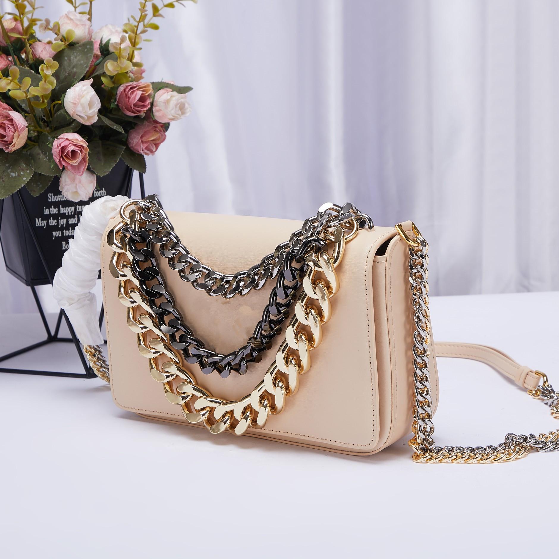 2021 Yeni moda basit atmosferik zincir çanta ile üç renkli zincir moda tam deri malzeme 774682 boyutu 24 cm