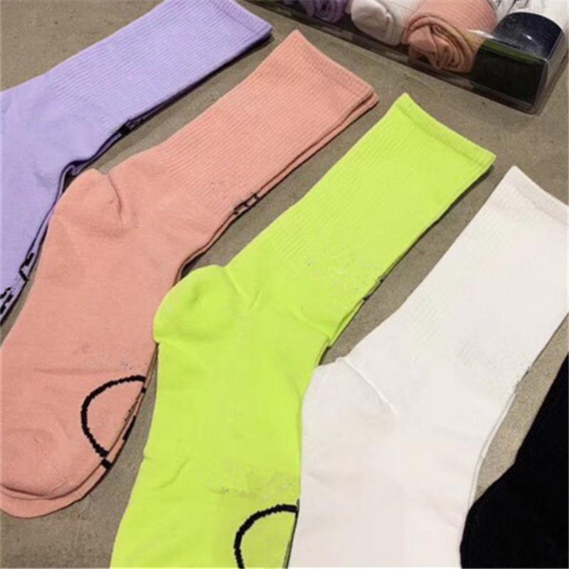 Calzini di lettere classiche con scatola di moda cerchio calzino caduta inverno calzini calzini casual casual calzino lungo cotone calze sportive
