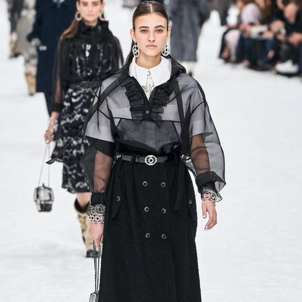 100% delle donne della camicia di seta cime del 2020 il nuovo disegno della pista see-through in pizzo con cappuccio fino pulsanti arco camicette sexy nero signore camicie chic