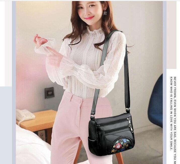 2021 Real sheepskin cross-body bag for lady New versatile leisure middle-aged and elderly soft leather one-shoulder bag for women