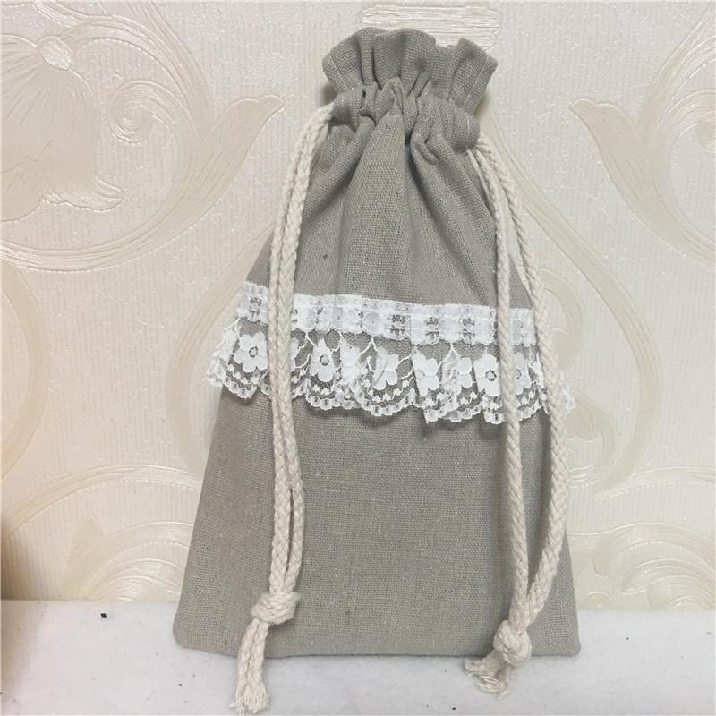 1 unid Hecho a mano Lino Natural Ropa de algodón Organizador Partido Bolsa de regalo Plisado Lace Trim Deco 8124D