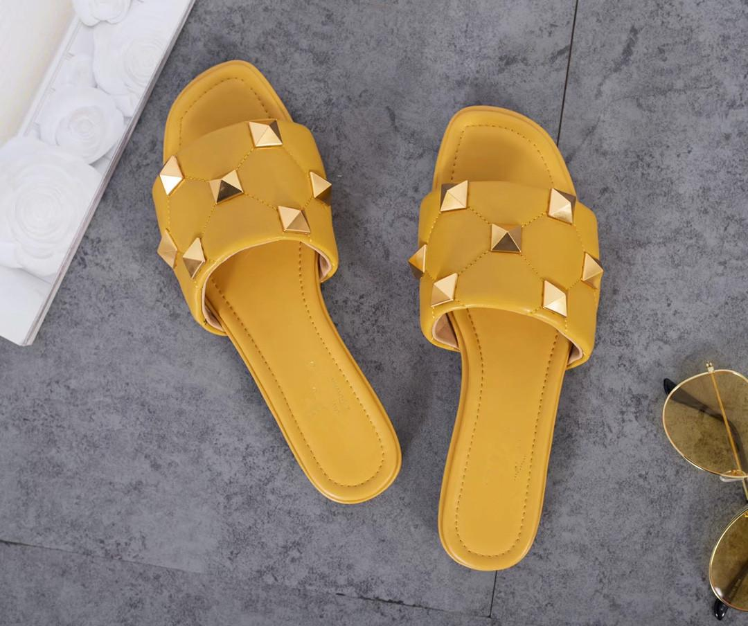 Классические женские тапочки натуральная кожа, проживающая в домашней роскошной комфортабельной моде Секловой женской обуви Элегантный дизайнер стиля