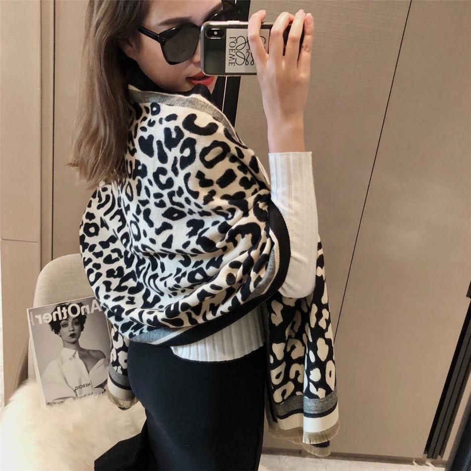 2021 Pashmina Premium Özel Klasik Leopar Eşarp, Şal ile Moda Sonbahar Ve Kış Sıcak Moda Kadın Eşarp 180 * 65 cm