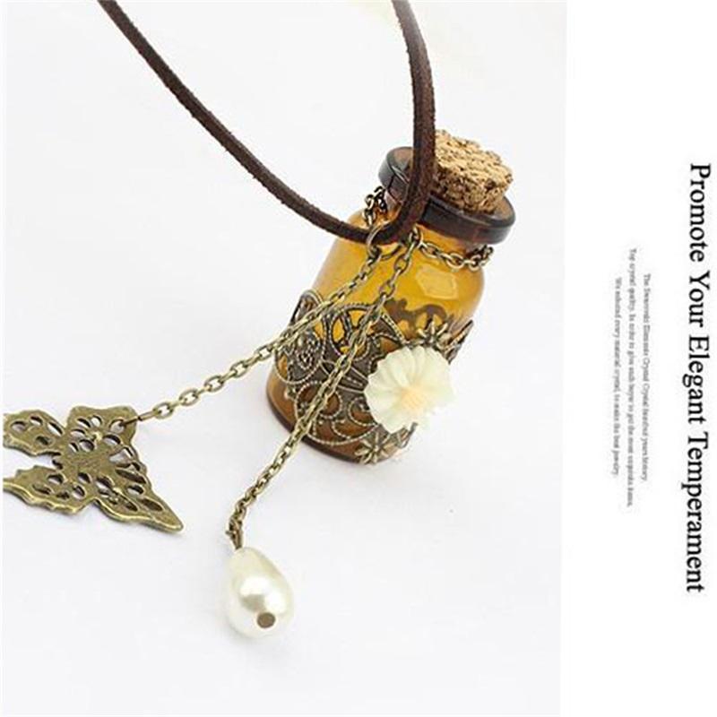 Vintage Desejando Frasco Perfume Com Margarida Colar Para As Mulheres Difusor de Óleo Essencial Medalhão De Vidro Borboleta Pingente Aromaterapia 162 O2