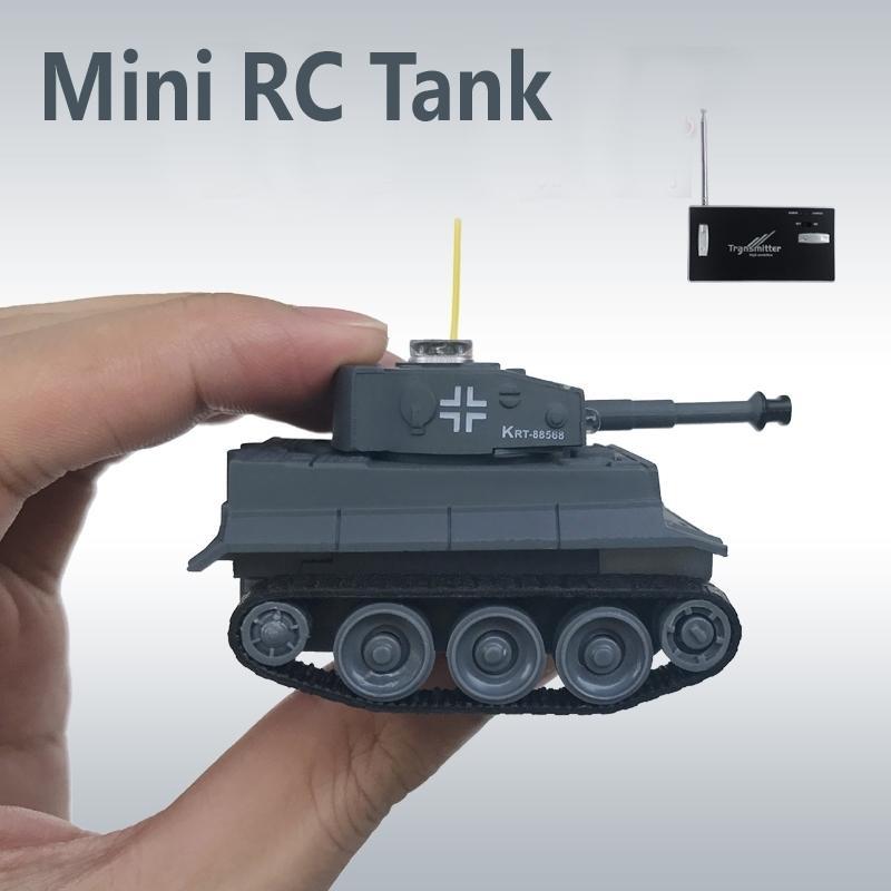RC Battle Mini Kunststoff Material Batterie Power Tank Fernbedienung Armee Infrarottanks Spielzeug für Kinder 201124