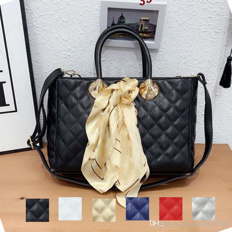 luxurys designers crossbody bags wallet shoulder tote bag mens womens purse Silk scarf key chain Hobo black leather 193014