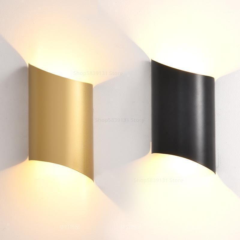 Lámparas de pared de hierro forjado modernas Iluminación Iluminación Sala de estar Decoración Luces de pared para la lámpara de dormitorio del hogar LED LIGHT SCONE1