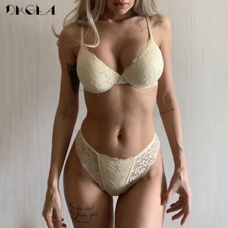Super rassemble Brassiere épais de sous-vêtements de coton épais Ensemble femme Soutien-gorge sexy noir Set Ensemble de lingerie en dentelle A B Cup Bra-up Bra Sets Y200708