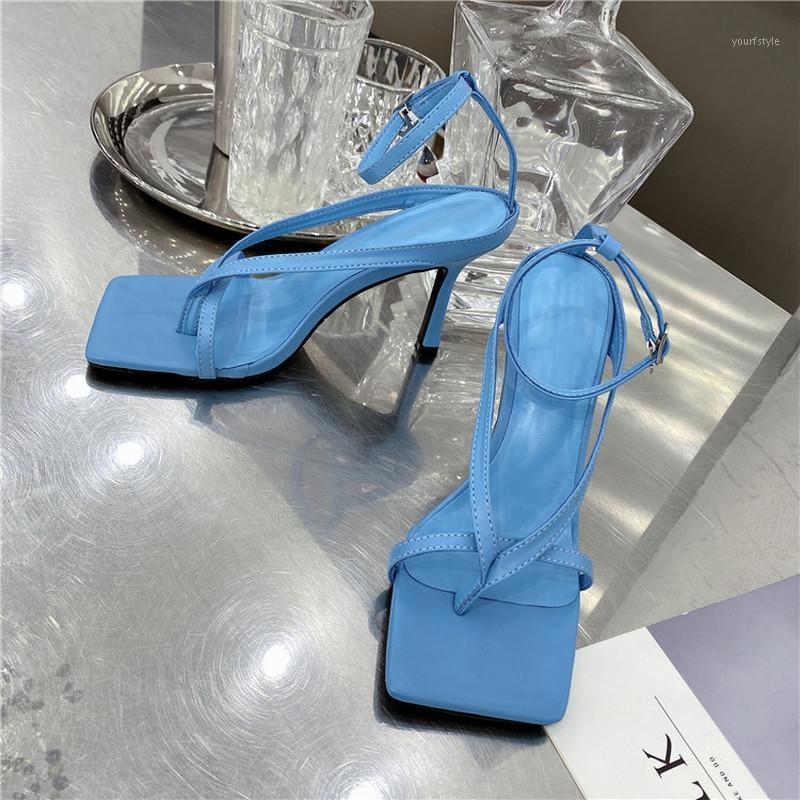 Zapatillas para mujer zapatos de verano de las zapatillas 2021 nuevas mujeres deslizándose en el oro bling diapositivas planas zapatos al aire libre sandalias casuales hembra más tamaño1
