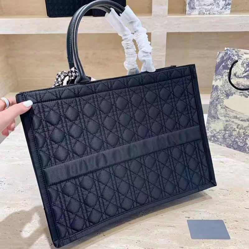 2021 bolsa de compras Negro Top Sin diseñador Bolsas de moda Nuevo Unisex Woven Bag Bolsa de hombro Compras Bolsas de lienzo Bolso Envío GCKAT