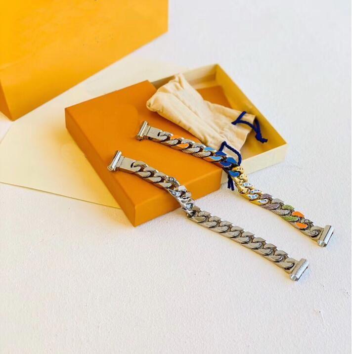 جديد وصول أزياء الرجال التيتانيوم الصلب نقش أربعة أوراق زهرة الملونة المينا الماس 18 كيلو مطلي الذهب سلسلة الروابط بقع أساور 3 اللون