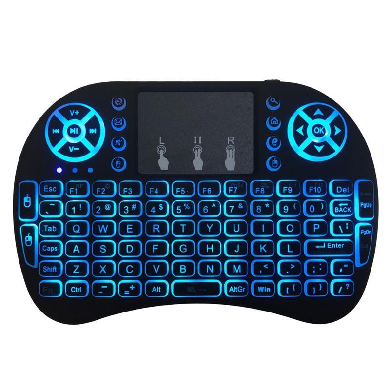 La nuova tastiera wireless Mini RII I8 2.4G Air Mouse Telecomando TOUCHPAD Retroilluminazione backlit per Smart Android TV Box Tablet PC Italiano