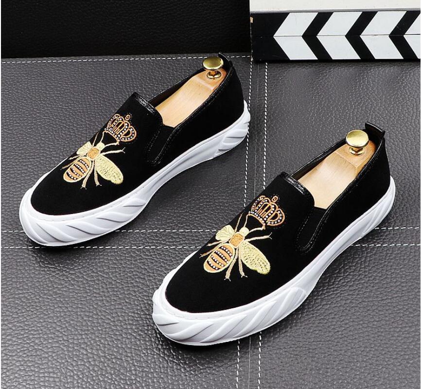 2020 neue Luxus Leinwand Flache Lederschuhe Mode Männer Stickerei Loafer Kleid Schuhe Rauchen Slipper Casual Schuh