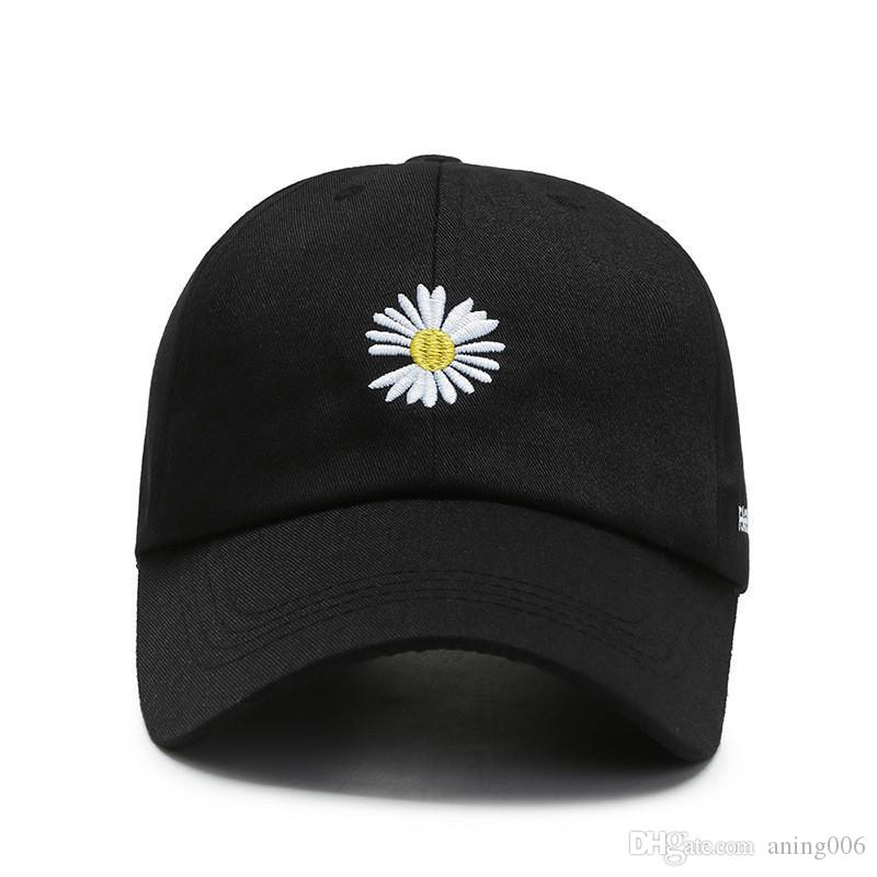 2020 Daisy Baseball Cap Hat for Men Women Plain Curved Sun Visor Baseball Cap Hat Print Letter Fashion Adjustable Caps Black White