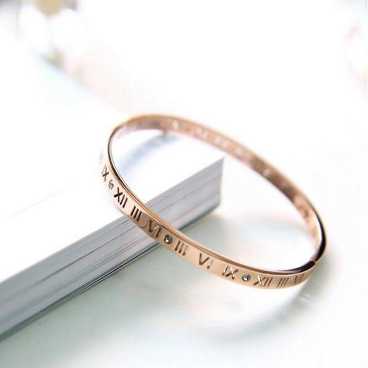 18k rose gold plated titanium steel clasp with openwork Roman numeral Bracelet F1130
