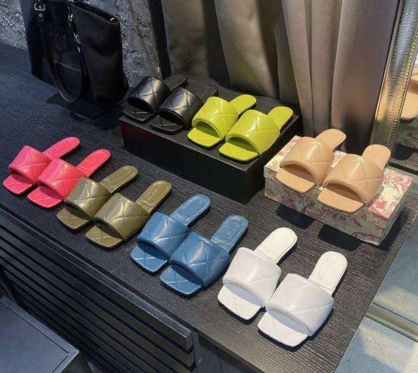 2020 Kadın Sandalet Yastıklı Sandalet Açık Terlik Ziyafet Ayakkabı Yaz Deri Terlik Çok Renkli Düz Yüksek Topuk Boyutu 35-42