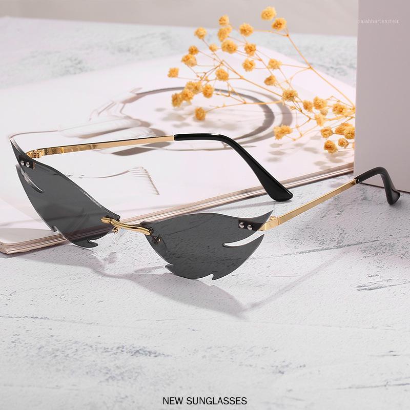 Lunettes de soleil à motif de flamme de haute qualité Femmes Framedeless Métal Petite lunettes de soleil Mode Photochromic Lunettes de vue FML1