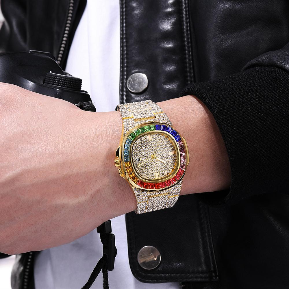 Mode explosive Quartz Montre Hommes Gold Diamond Personnalité Grand cadran Calendrier Calendrier Acier inoxydable Montre Fashion Fashion Watch