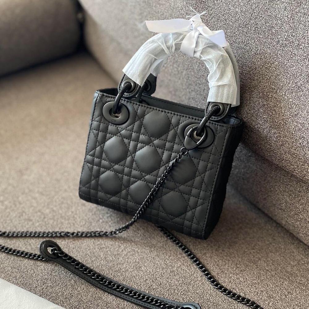 Sac de concepteur Diamant Sac à main en cuir noir Sac à main Femmes Crossbody Fashion 2020 Nouveau Sacs L'épaule de la chaîne Nouvelles femmes Lattice FOMLC