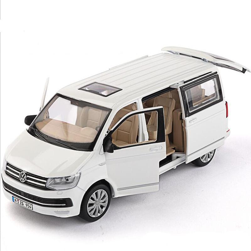 Alto Simulação Business Car Modelo 1/32 Volkswagen Multivan T6MPV Liga de Liga de Liga de Luz Puxar Voltar Van Coleção Toy Car X0102