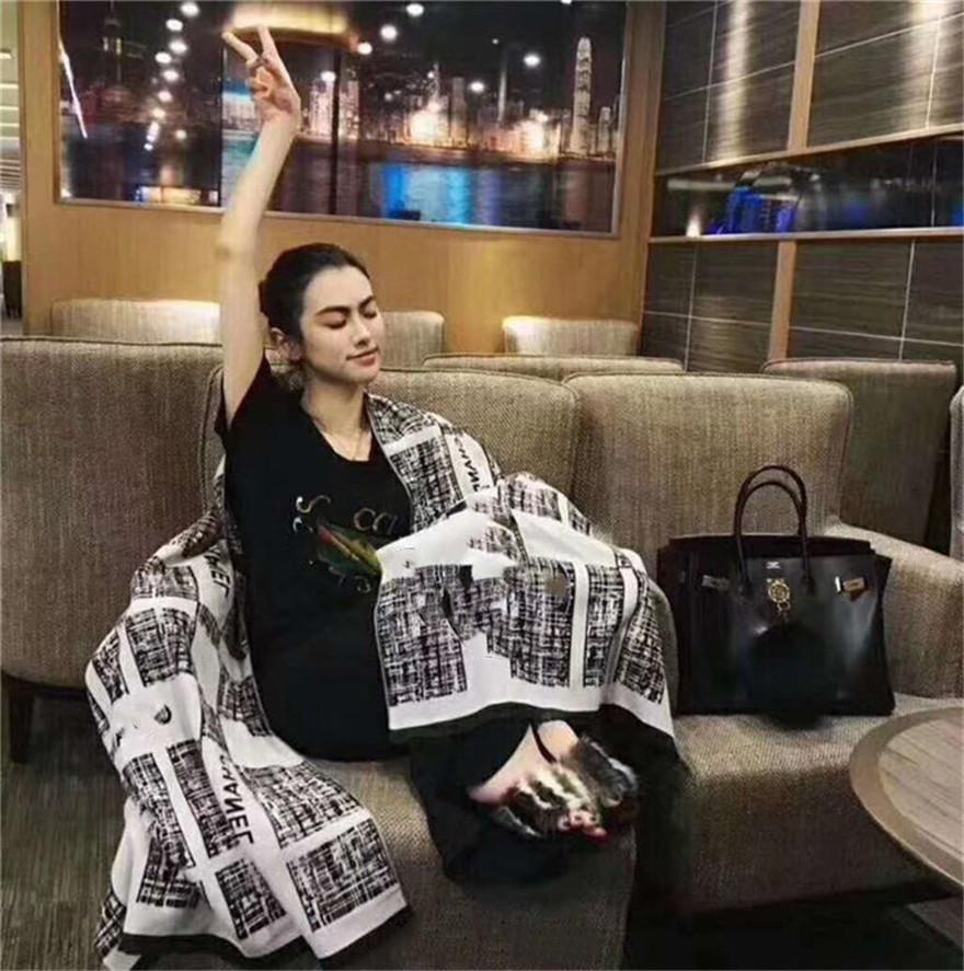 100% Kaschmir Frauen und Männer Schal Winter Warme Mode Tücher Herren Nacken Warme Black Navy Grau Schal Für Frau Neue Ebene Farbe L Weiblicher Schal