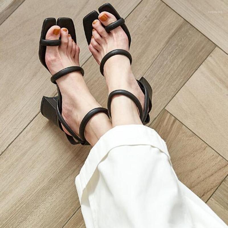 Retro Block Sandalias de talón Sandalias Square Toe Frente Trasera Trasera Negra Blanco Albaricoque Color Verano Nuevo Newest Plaza Heel High Summer Shoes1