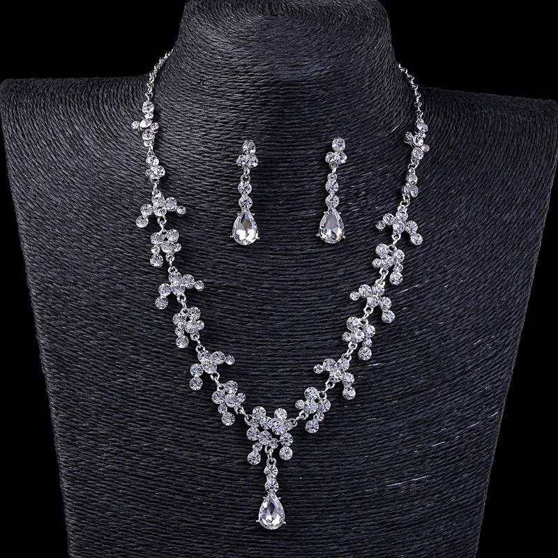Vintage Zwei Stücke Schmuck Sets 2021 Luxus Tropfen Ohrringe Halsketten Bridal Halskette Heißer Verkauf Günstige Hochzeit Brautzubehör