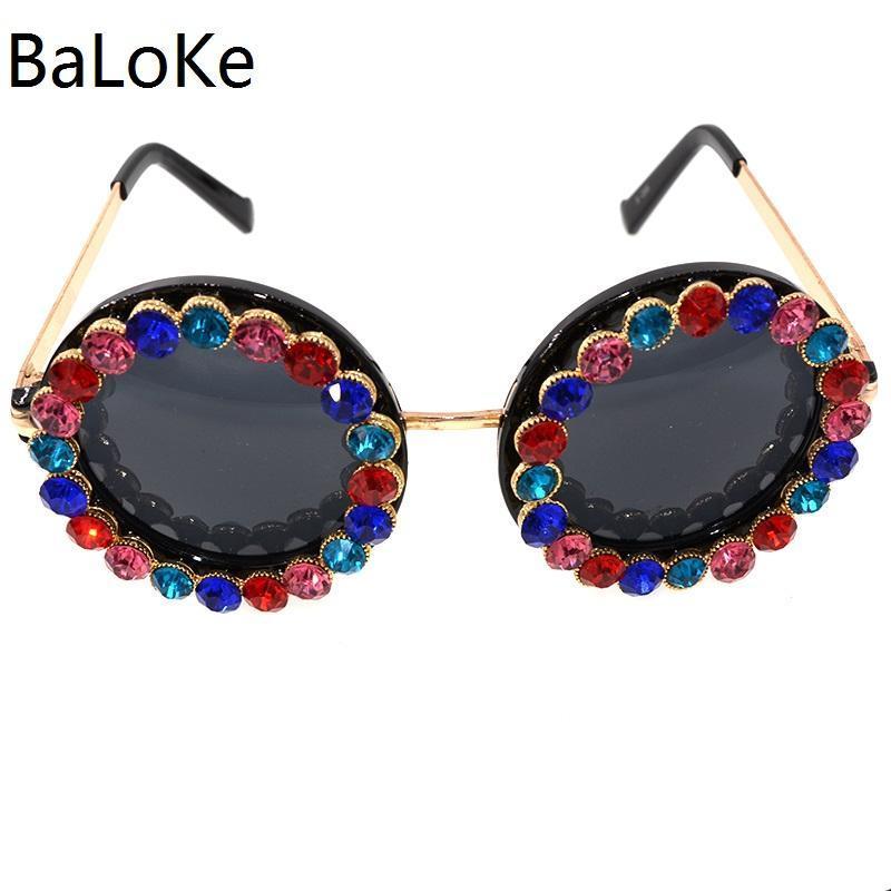 Big Round Sunglasses Women Brand Design Crystal Stones Metal Frame Sunglasses Top Quality Retro Summer Beach Outdoor Decoration