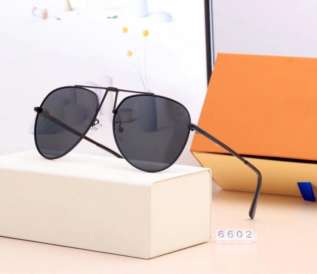 2020 Yeni erkek ve kadın plaj güneş gözlüğü erkek moda gözlük oval havacı spor binicilik güneş gözlüğü deri çanta ile çok renkli optio