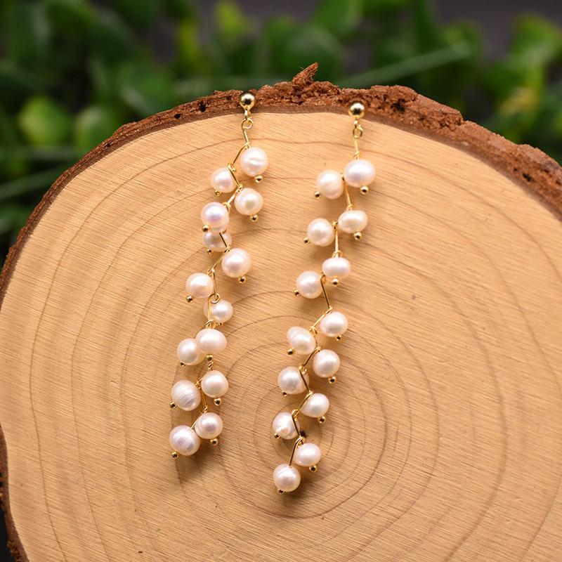 Naturelle d'eau douce perle longue goutte boucles d'oreilles gouttes de goutte femmes de fiançailles cadeaux d'anniversaire à la main à la main Bijoux à la mode cuivre avec plaqué or