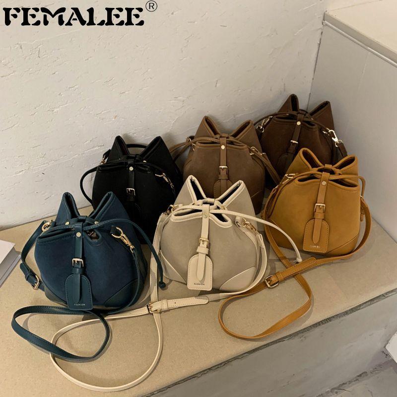 Berühmte Marke Designer Frauen Eimer Matte Mode PU Umhängetasche Weibliche Festkörper Messenger Handtasche Winter Stil Geldbörse SAC Q1208