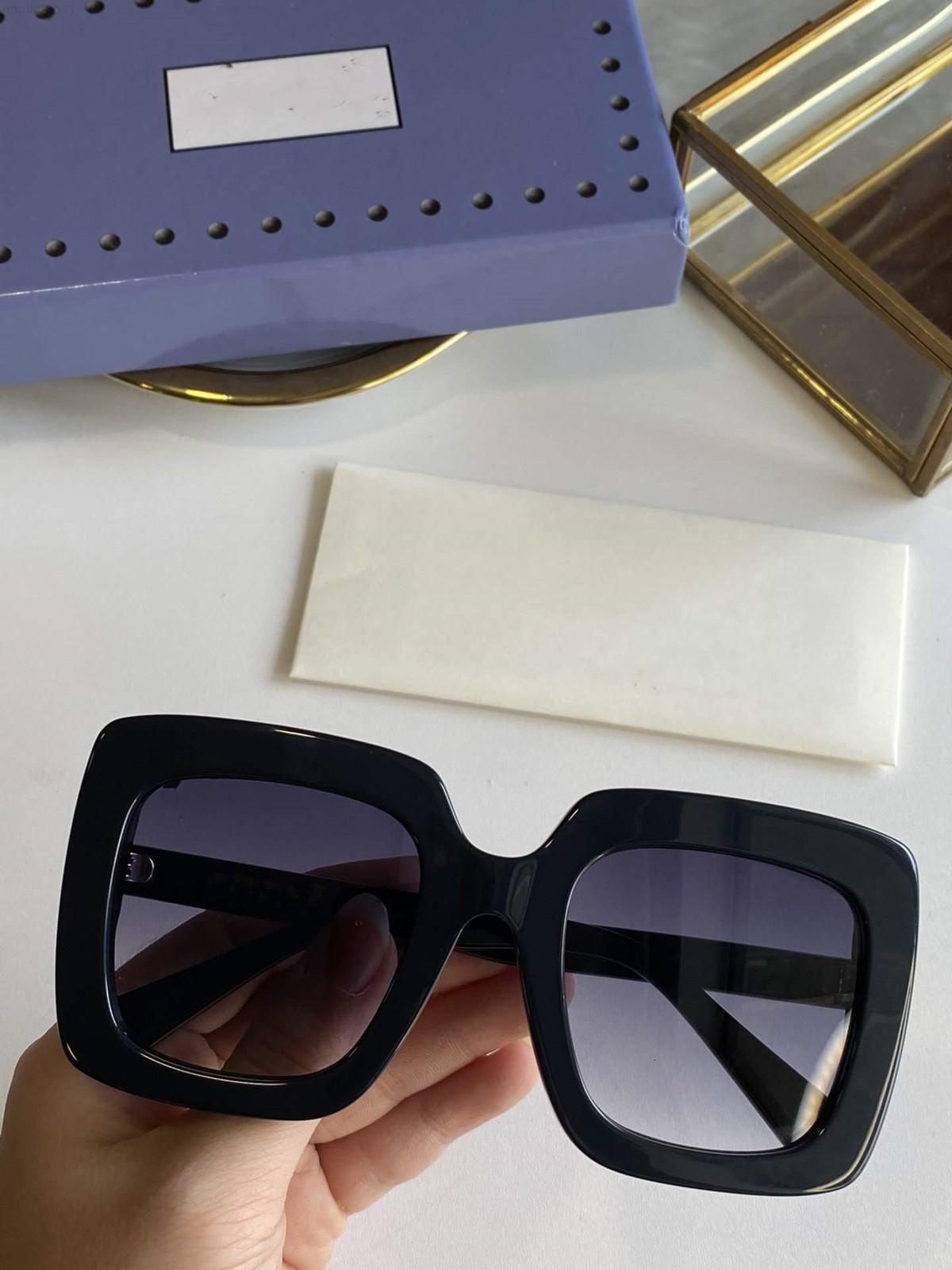 Populaire de style de mode Square Femmes 0328 Été Cadre complète Top Qualité Protection UV 0328S Lunettes de soleil Couleur mélangée Venez avec une boîte