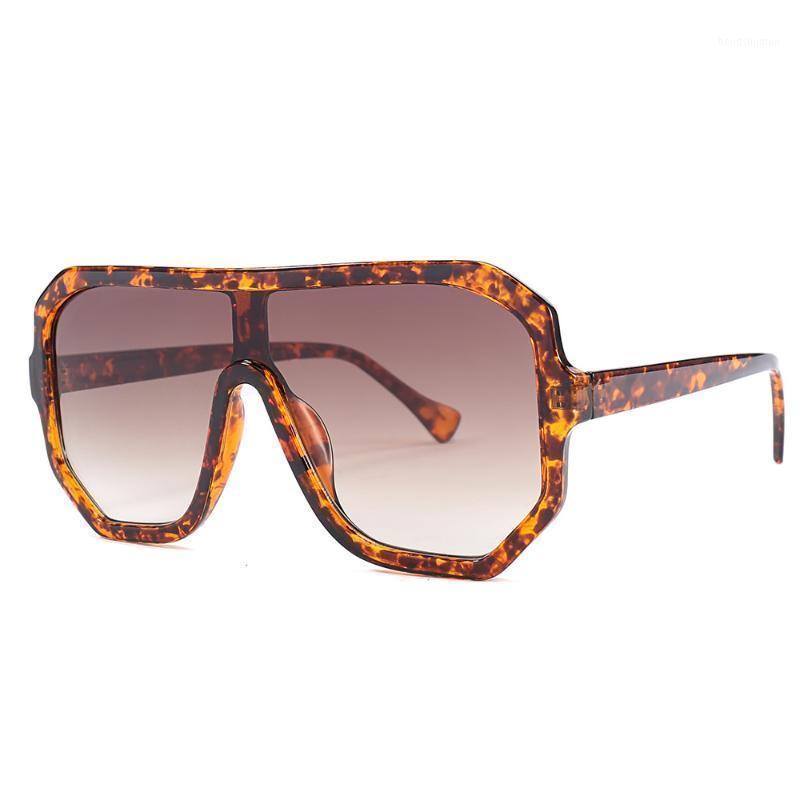 Óculos de sol Moda Cor Quadrado Mulheres Oversized Clear Escudo Sol Óculos Homens Vintage Grande Quadro Eyewear UV4001