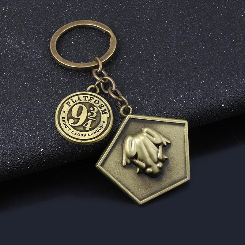 Filme Chocolate Frog Platform 9-3 / 4 Keychain Antique Bronze Metal Encantos Chaveiro Para As Mulheres Homens Carro Keyring Jóias