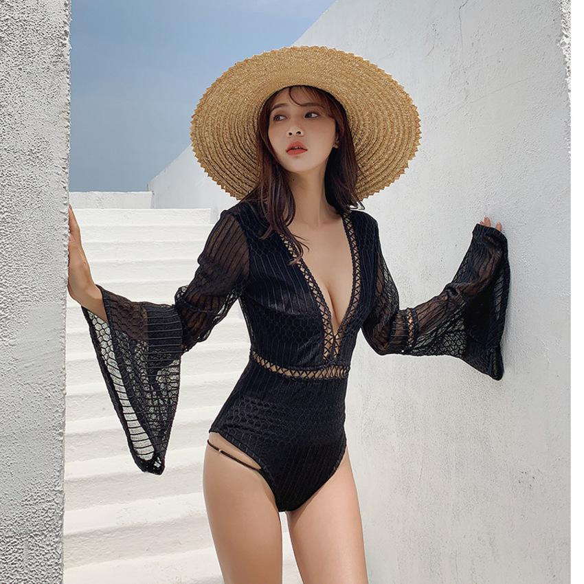 Female Ins Korean One Piece Triangle Long Sleeve Looks Thin and Sexy Student Holiday Hot Spring Girl Swimsuit ZXPG