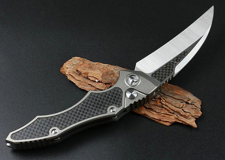 Top Qualité PTF Auto Karambit Couteau à griffe D2 Satin Blade 6061-T6 + Poignée de fibre de carbone Couteaux tactiques avec boîte de vente au détail