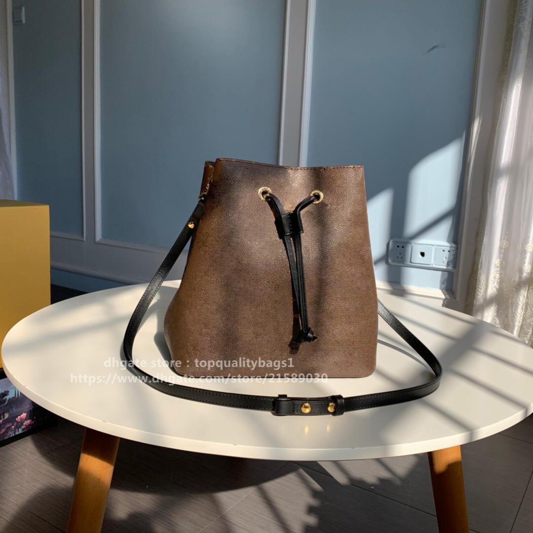 2020 Hot Venduto Fashion 26cm Designer di alta qualità Fashion Genuine Pelle Pelle Secchio Benna Borsa a tracolla Lettera Crossbody Bag Crossbody Shipin